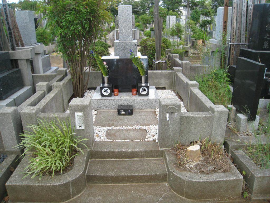 樹木伐採後のきれいなお墓